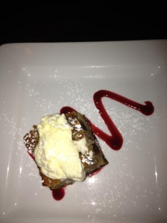 Martine : fig and pistachio bread pudding