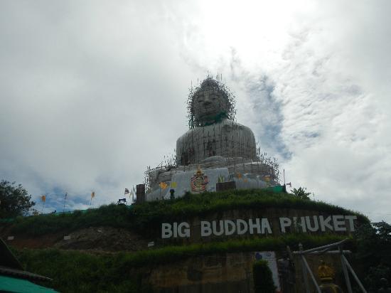 Rising Sun Residence: Big buddha