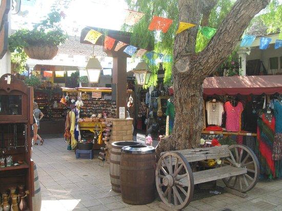 Bazaar del Mundo: The bazar