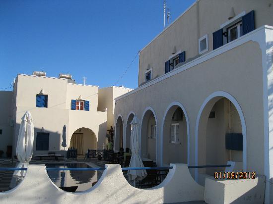 Alizea Villas & Suites: Facade of Alizea Villa