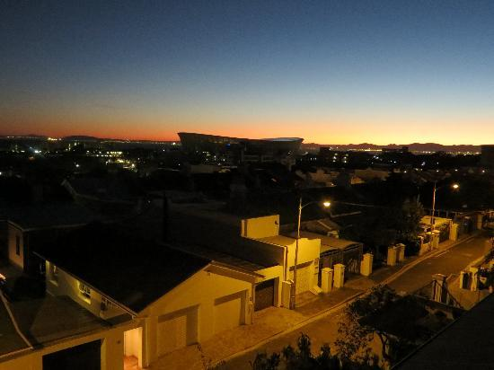 Braeside House : Sunset view from the Loft Apartment