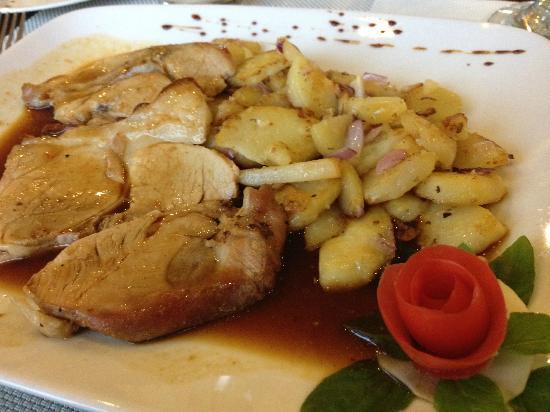 BergBlick Restaurant: Pork Roast