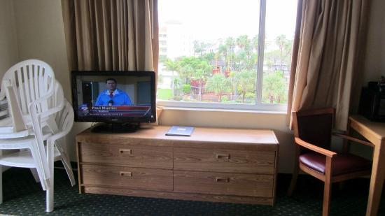 GulfView Hotel - On The Beach: Nice tv
