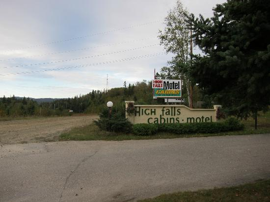 High Falls Motel and Cabins : Entrance