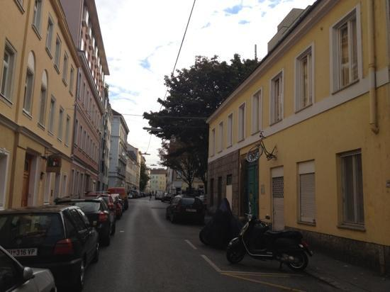 Hostel Ruthensteiner: both buildings