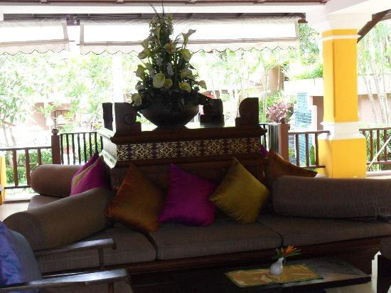 Andaman Cannacia Resort: Hotel Lobby