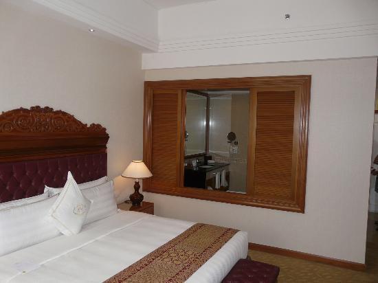 The Royale Chulan Kuala Lumpur: Room