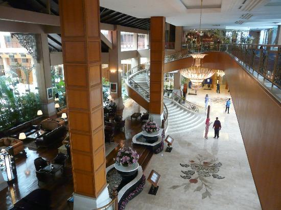 โรงแรมเดอะรอยัล ชูลัน กัวลาลัมเปอร์: Lobby