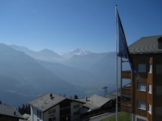 Hotel Alpenrose: Aussicht von der Terrasse des Zimmers 103