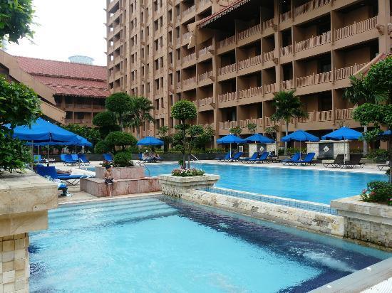 The Royale Chulan Kuala Lumpur: Pool