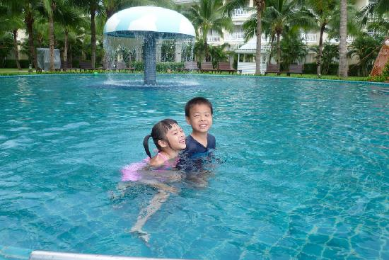 Sofitel Krabi Phokeethra Golf & Spa Resort: swimming pool