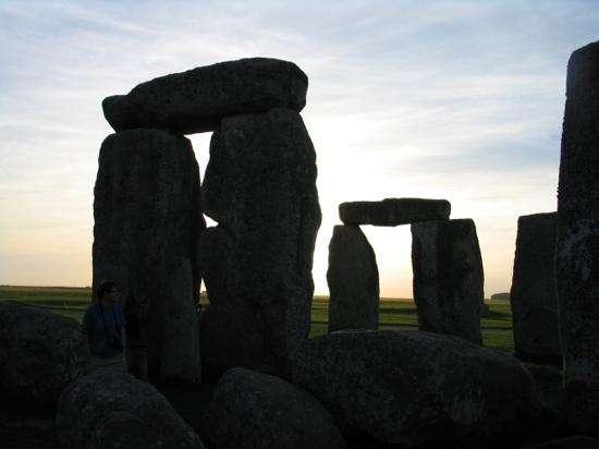 Солсбери, UK: Sunset at Stonehenge