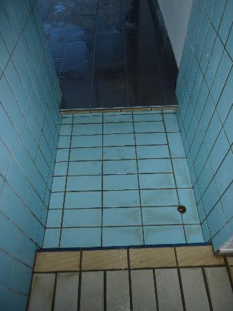 La piscine bild fr n hotel des vosges klingenthal for Hotel piscine vosges