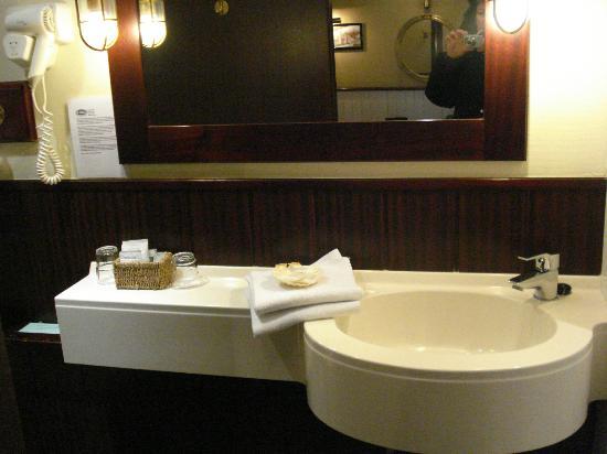 De Barge Hotel: bathroom