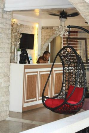 Island's Leisure Boutique Hotel and Spa - Dumaguete: Lobby