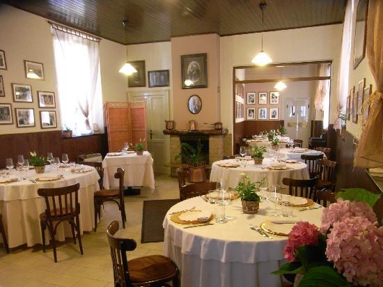 Fagnano Olona, Italy: Sala del ristorante Menzaghi