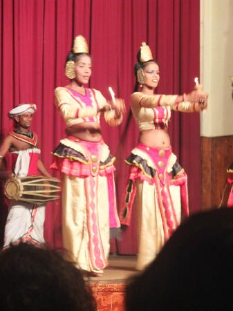 Kandyan Dance Performance: Beautiful costumes