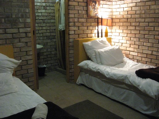 Oase Guest House: Room