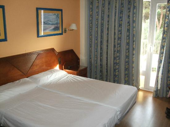 Hotel Monarque Fuengirola Park: Bedroom