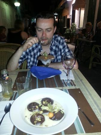 Il Angelo: Chocolate ravioli and the Tiramasou