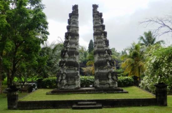 The Chedi Club Tanah Gajah, Ubud, Bali – a GHM hotel: elephant statute