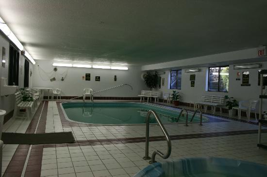Days Inn Chamberlain/Oacoma: Pool area