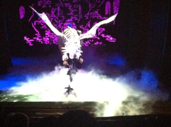 Dragon Prop Was Phenomenal Picture Of Shrek The Musical London Tripadvisor