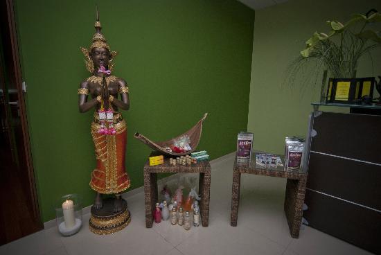Green Lotus: Thai