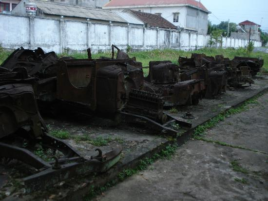 Dien Bien Phu : Military Hardware outside the museum