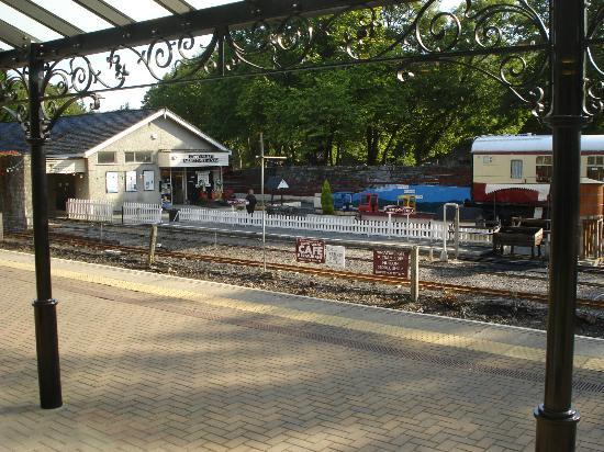 Spinnaker: View onto Betws-y-Coed railway platform