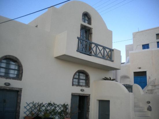 Lotza Studios: One of the rooms balcony