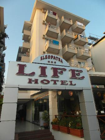 Kleopatra Life: Main buliding and entrance