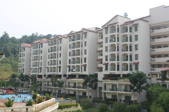 Bukit Gambang Resort City: The Caribbean Bay Suites units