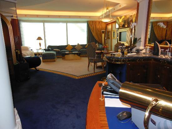Burj Al Arab Jumeirah: Downstairs living area