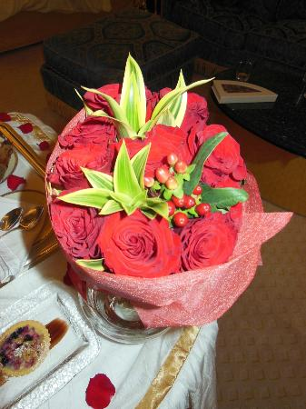 Burj Al Arab Jumeirah: Flower presentation