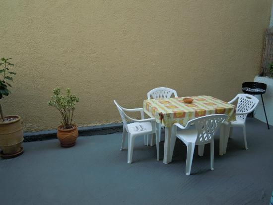 Afandou Village Apartments: Giardino