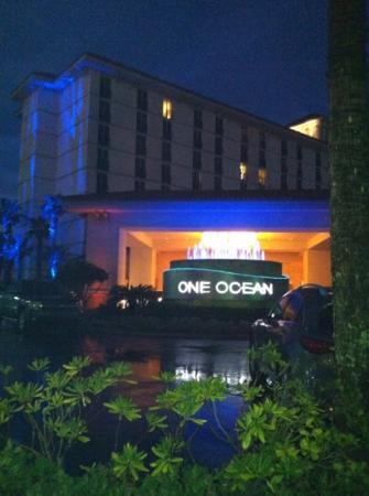 One Ocean Resort & Spa: front view nighttime