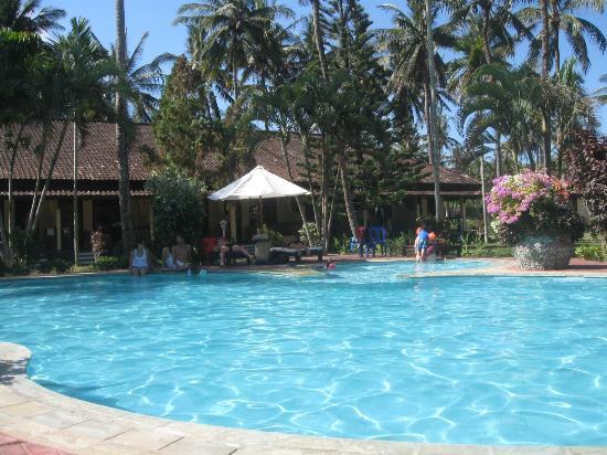 Kuta Indah Hotel: Pool