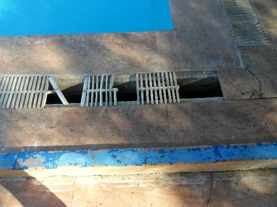 Club Hotel Sts Bodrum: just some of the broken grills around pool