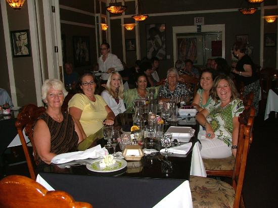 Bogey's Bar & Restaurant: Ronda's birthday at Bogey's