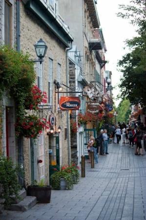 Lower Town (Basse-Ville): Petit Champlan