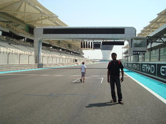 Yas Marina Circuit: On the circuit