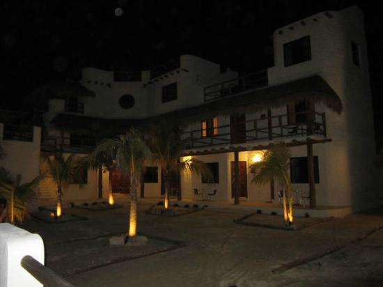 Hotel & Residence Ca'Rita: visione notturna di cà rita con le sue bellissime palme illuminate