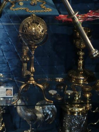 le petit globe terrestre datant de 1500 et repertoriant l 39 am rique picture of jagiellonian. Black Bedroom Furniture Sets. Home Design Ideas