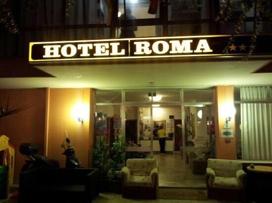 Hotel Roma: entrata