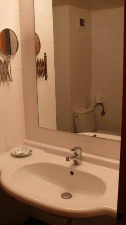 Nestos Hotel: salle de bain