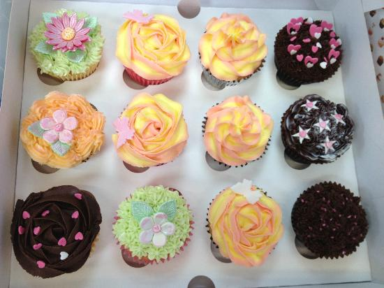 Cupcakes created at cupcake passion's beginners course