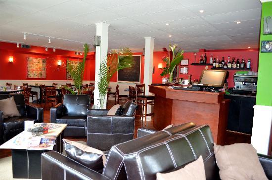 Bistro Lounge GARCONS!: getlstd_property_photo