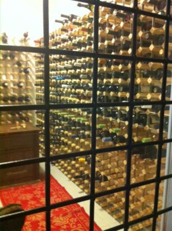 Kivo Art & Gourmet Hotel: Kivo & SeaView Restaurant Cellar