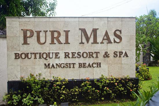 Puri Mas Boutique Resort & Spa: Entrance of the resort
